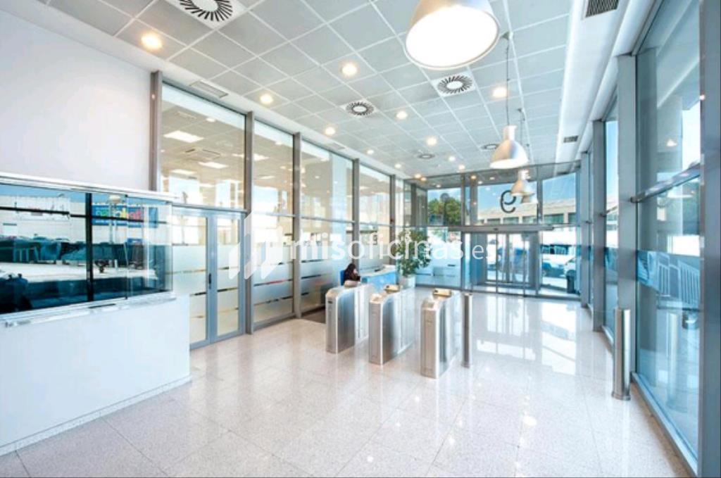 Alquiler de oficina de 286 metros madrid for Oficinas linea madrid