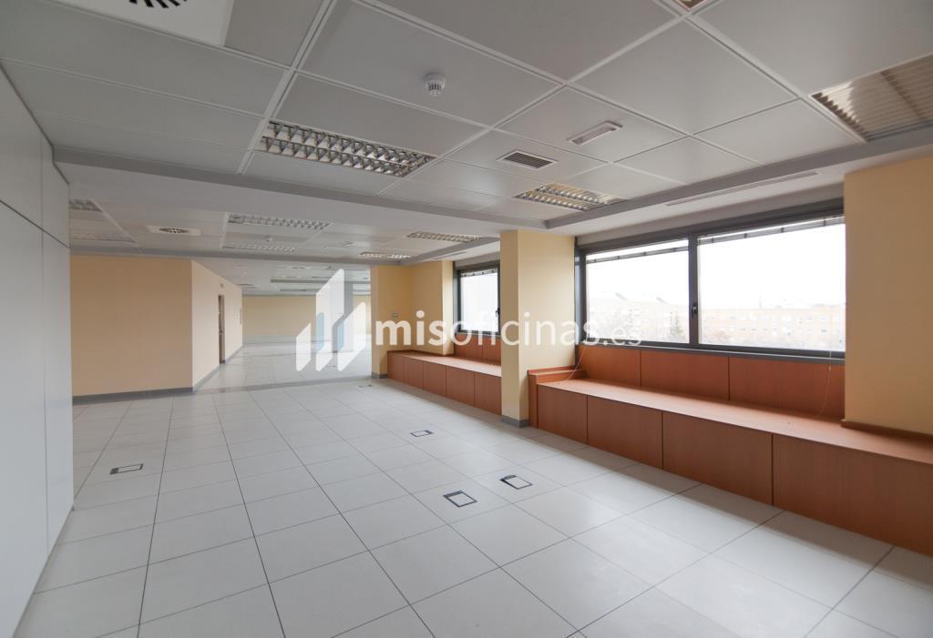 alquiler de oficina en de la encina tres cantos On oficina kutxabank tres cantos