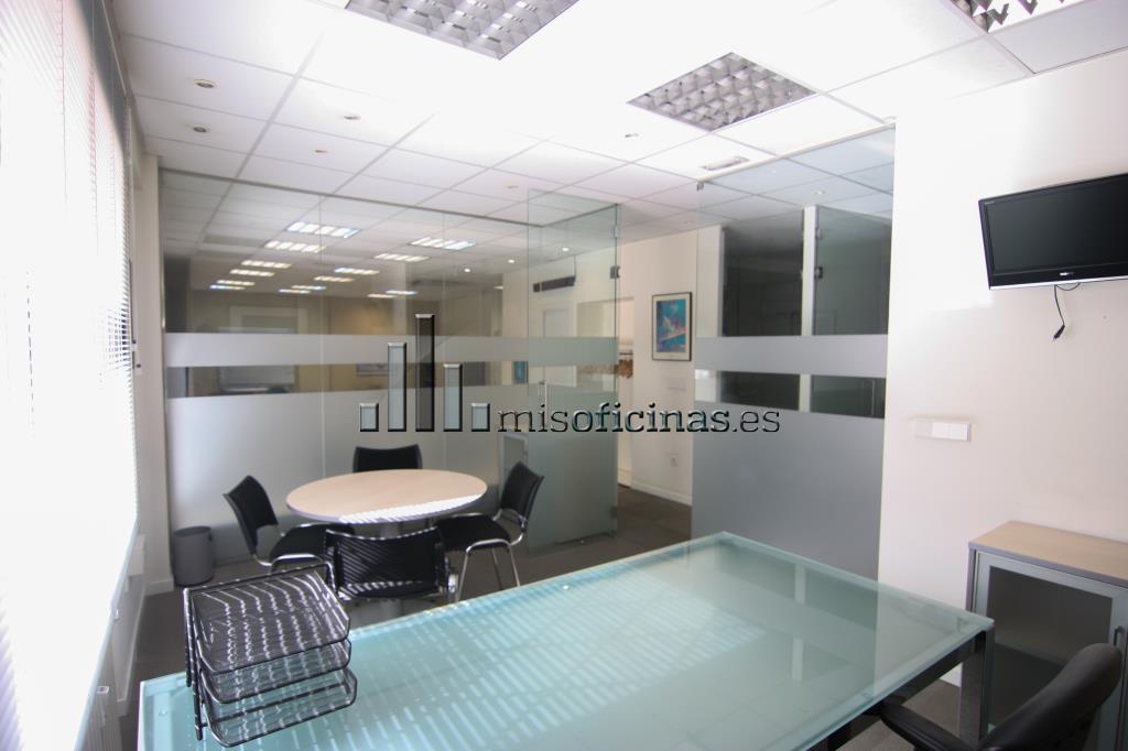 Oficina en alquiler en madrid calle marqu s del riscal 6 for Oficina madrid centro