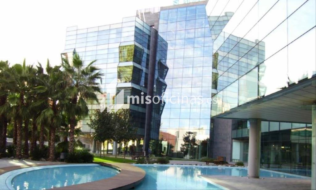 Alquiler de oficina en via de los poblados de 851 metros for Oficina de extranjeria avenida de los poblados
