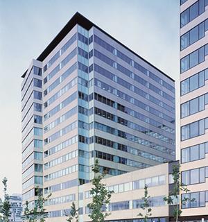 Noticias oficinas la torre diagonal mar de barcelona for Oficinas western union barcelona